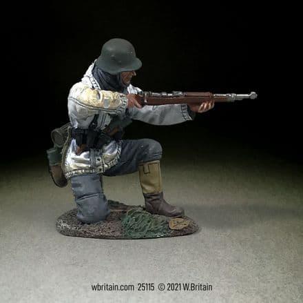 WB25115 German Grenadier Kneeling Firing K98, 1943-45